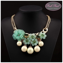 FLOWER & PEARLS NECKLACES