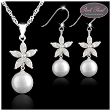 WHITE PEARL WITH FLOWER SET